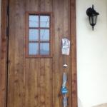 玄関ドアはディンプルキーと指紋認証キーでセキュリティ面も安心!(玄関)