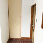 大型収納付きの玄関です。