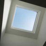 このお部屋には天窓があります