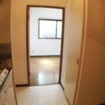 玄関からキッチン(玄関)